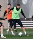 Los jugadores del Real Madrid durante el entrenamiento de este jueves. (Foto Prensa Libre: Twitter Real Madrid)