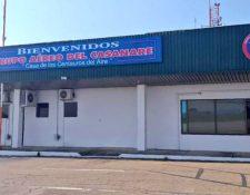 Una base de la Fuerza Aérea de Colombia (FAC) fue atacada por presuntos rebeldes del ELN con proyectiles artesanales lanzados a distancia. (Foto Prensa Libre: twitter.com/FuerzaAereaCol)