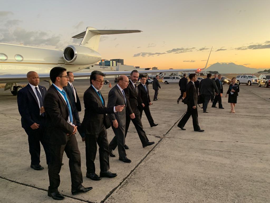 Entre presidentes, ministros y embajadores: así es la comitiva internacional que arriba al país