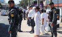 Ultimos vuelos de migrantes de provenientes de Estados Unidos del a–o 2019 en el primer vuelo de migrantes llegan 53 (44 hombres y 9 mujeres) Proveniente de Alexandr'a, todos guatemaltecos en el segundo vuelo llegan 128 (43 hombres, 38 mujeres, 24 ni–os y 23 ni–as) Proveniente de Brownswille Texas todos guatemaltecos   Fotograf'a. Erick Avila:    27/12/2019