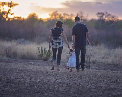 Una empresa en España apoya el lazo familiar de sus trabajadores. (Foto Prensa Libre: pixabay)