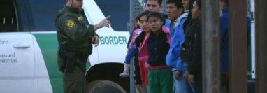 En los últimos años ha aumentado el número de indígenas guatemaltecos que migra al norte y que no sabe hablar ni español ni inglés. (Foto Prensa Libre: Hemeroteca PL)
