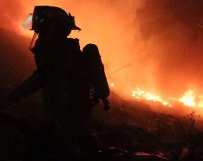 El incendio se registró en carretera a Tierra Nueva 2, Chinautla. (Foto Prensa Libre: Conred)