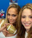 Jennifer López y Shakira publicaron esta foto en Instagram horas después de la conferencia de prensa.