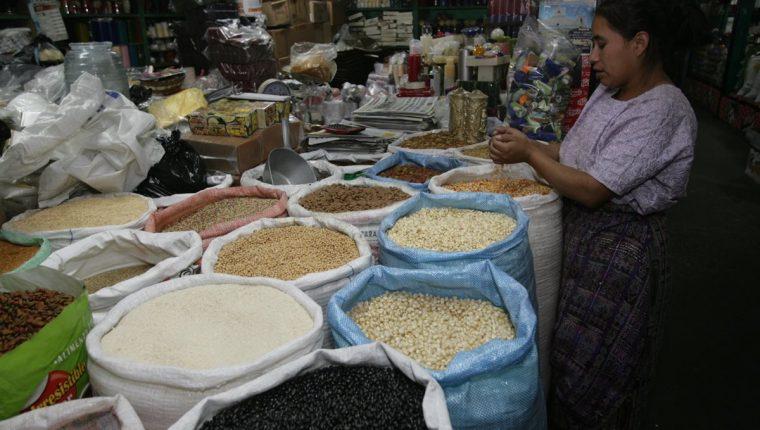 Coronavirus: Confinamiento y subida de precios obligan a cambiar dieta de guatemaltecos