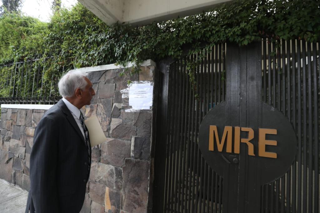 Nuevo gobierno no podría remover a diplomáticos por reciente disposición del Minex