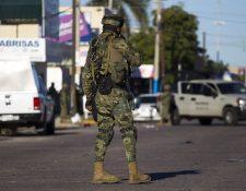 Militares han sido destacados al estado de Guerrero debido a la ola criminal que azota el área.(Foto Prensa Libre: AFP)