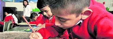 Los niños de primaria estudiarán ahora bajo los lineamientos de un nuevo Curriculum Nacional Base. (Foto Prensa Libre: Hemeroteca PL)