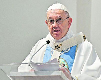 El papa Francisco insta a los médicos a rechazar la eutanasia. (Foto Prensa Libre: Hemeroteca PL)