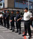 Policías resguardan la sede del Parlacén que fue objeto de manifestaciones en enero pasado, cuando asumió una curul el expresidente Jimmy Morales. (Foto Prensa Libre: Hemeroteca PL)