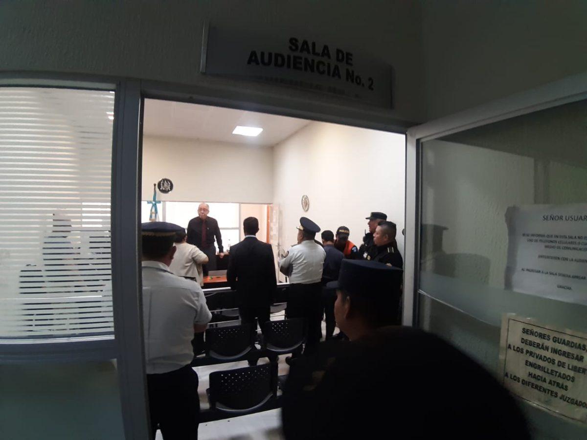 Juez deja en libertad a agentes de PNC que dispararon contra sicarios en la zona 6