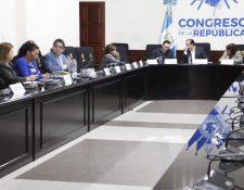 Jordán Rodas, procurador de los Derechos Humanos, se reúne con la comisión legislativa de la rama. (Foto Prensa Libre: Noé Medina)