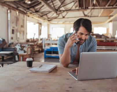 Un emprendedor no solo debe demostrar para qué necesita el dinero de un crédito, si no también que tiene los recursos para pagarlo. (Foto Prensa Libre: Shutterstock)