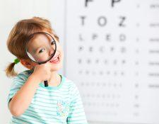 Es importante que esté al tanto de la salud visual de sus hijos desde edades tempranas. (Foto Prensa Libre: Servicios).