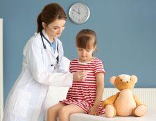 Es importante que lleve a cabo evaluaciones periódicas para tener un control de la salud de sus hijos. (Foto Prensa Libre: Servicios).