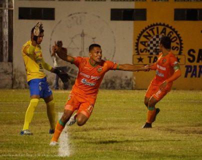 Jairo Arrieta marcó el único gol del partido.  (Foto Prensa Libre: Cortesía @andresNadf)