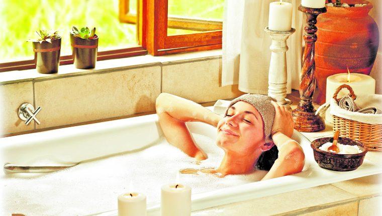 Con productos que tiene en casa puede hacer su propio spa y dedicar tiempo para su cuidado personal y relajación. (Foto Prensa Libre: Hemeroteca PL).