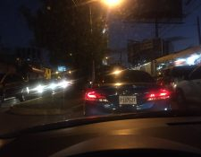 El intenso tránsito se reporta en las zonas 9, 10, 13 y 11 de la ciudad. (Foto Prensa Libre: @sara_riera)