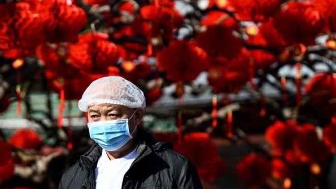 Varios laboratorios se encuentran trabajando para desarrollar una vacuna contra el nuevo virus que ya se ha extendido a todas las regiones de China. GETTY IMAGES