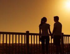 Las personas jóvenes pueden ser víctimas de estafas en las aplicaciones de citas. GETTY IMAGES