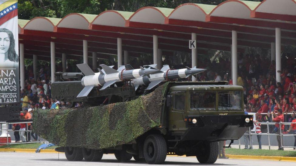 Venezuela: de qué tipo son y por qué estaban allí los misiles desplegados por el ejército al regreso de Juan Guaidó