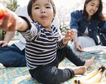 El estudio investigó el comportamiento de los bebés durante la hora de la comida para investigar las raíces del altruismo -que parecen empezar desde temprano. GETTY IMAGES