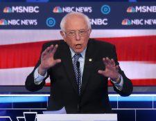El precandidato presidencial demócrata, Bernie Sanders, habla durante el debate primario presidencial demócrata el 19 de febrero de 2020 en Las Vegas, Nevada. (Foto Prensa Libre: AFP).