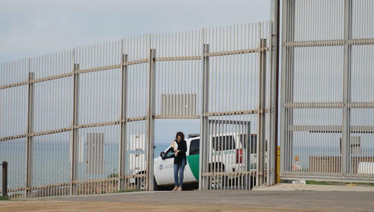 La Patrulla Fronteriza reportó la detención de la familia guatemalteca. (Foto Prensa Libre: EFE)
