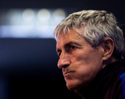 El entrenador del Barcelona, Quique Setién, asegura que lo importante es que sus jugadores sean felices. (Foto Prensa Libre: EFE)