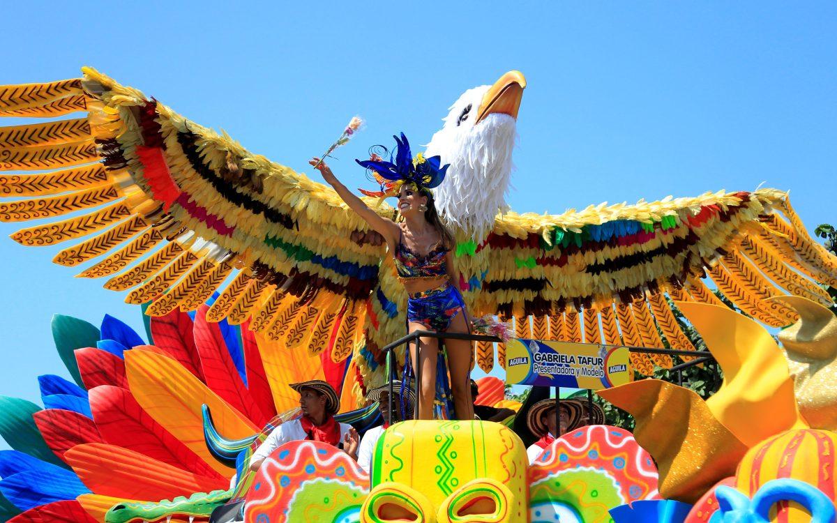 """""""Star Wars"""", el coronavirus y el papa se toman Carnaval de Barranquilla"""