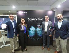 En la primera preventa se agotaron las unidades del Samsung Galaxy Fold. Foto Prensa Libre: Norvin Mendoza