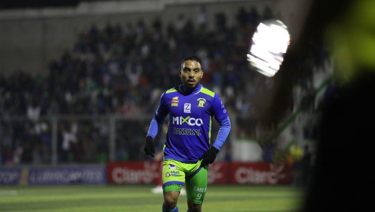 Bryan Ordóñez fue uno de los jugadores más determinantes para Mixco contra Iztapa. (Foto Prensa Libre: Francisco Sánchez)