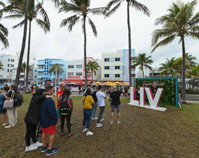 El Super Bowl LIV ya se vive en Miami. Todo está lista para la fiesta deportiva más importante de Estados Unidos. (Foto Prensa Libre: AFP)