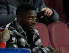 El francés Ousmane Dembele se perderá el resto de la temporada. Es una gran baja para el Barcelona. (Foto Prensa Libre: AFP)