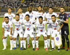 El Alianza de El Salvador dio un gran paso en casa frente a los Tigres de México (Foto Prensa Libre: AFP)
