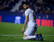 El delantero francés Karim Benzema no ha tenido la mejor temporada. (Foto Prensa Libre: AFP)
