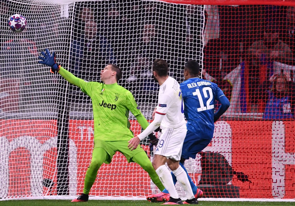 Tousart pone en ventaja al Lyon contra la Juventus