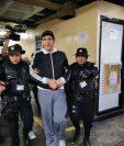 Gustavo Alejos en la Torre de Tribunales. (Foto Prensa Libre: María Reneé Barrientos)