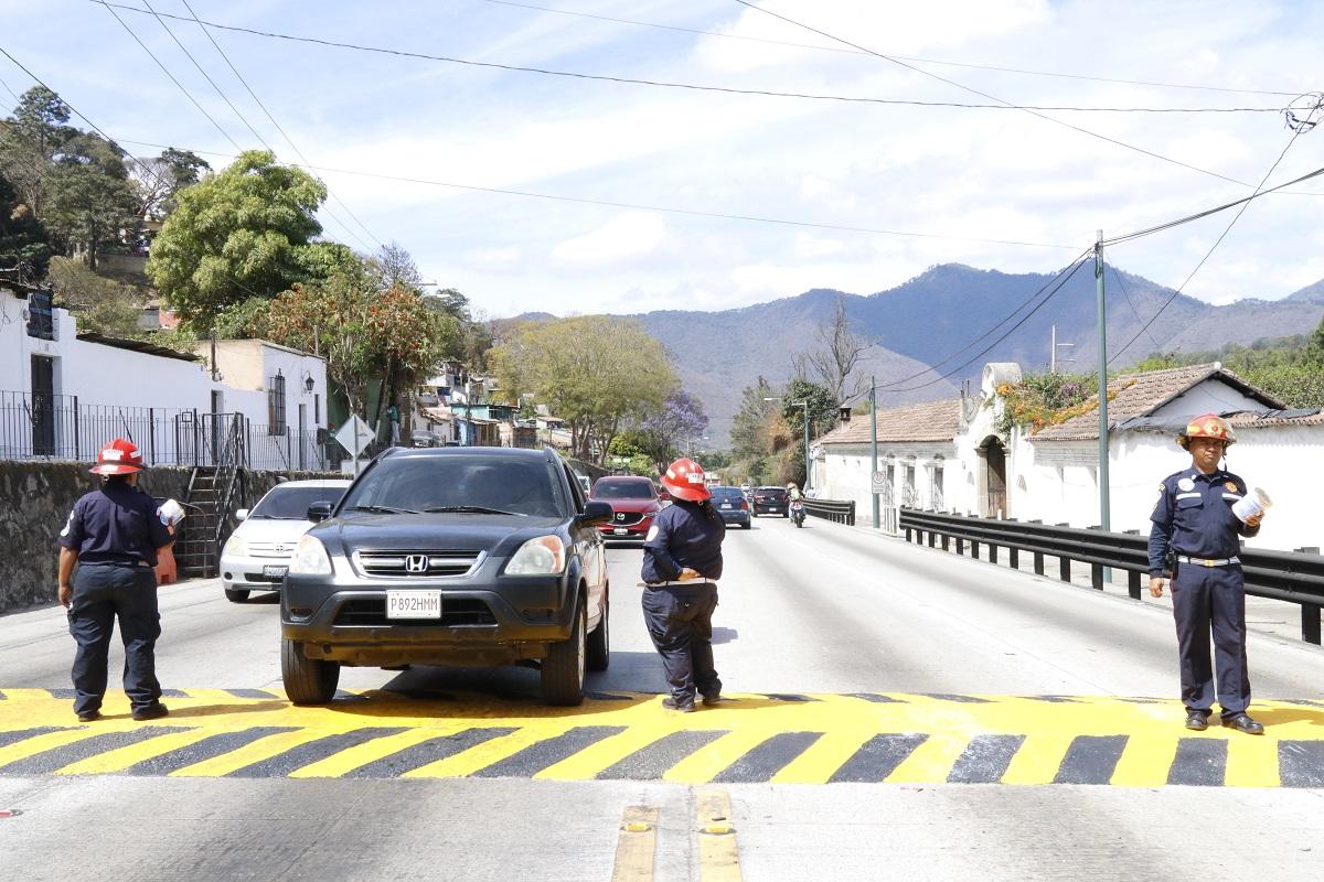 Bomberos rechazan acuerdo municipal que les prohíbe recaudar dinero en la vía pública