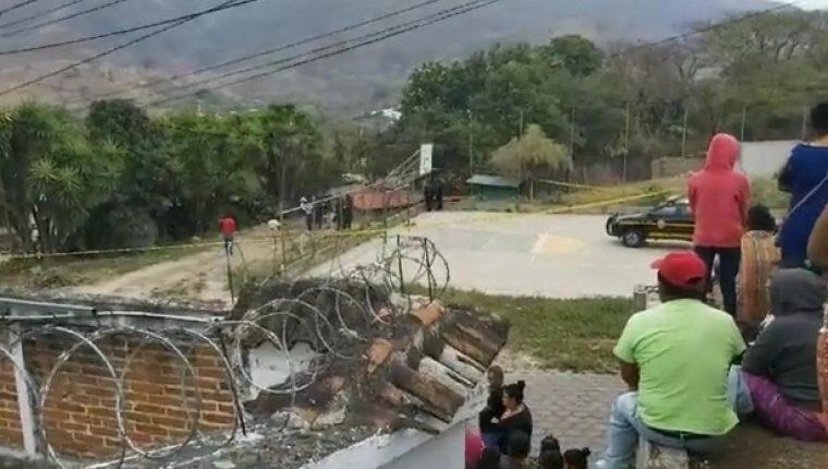 Lugar donde tres integrantes de una familia fueron localizados muertos. (Foto Prensa Libre: Cortesía Noti Más Baja Verapaz )