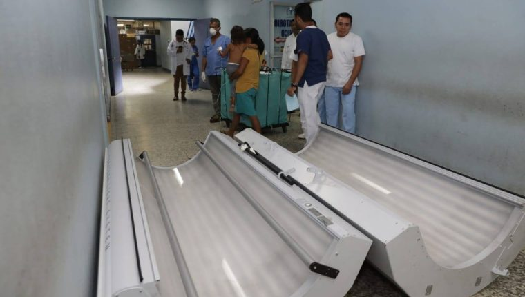 Esta es la cámara de colágeno entregada a Hospital Regional Escuintla. (Foto, Prensa Libre: Facebook Gobierno de Guatemala).