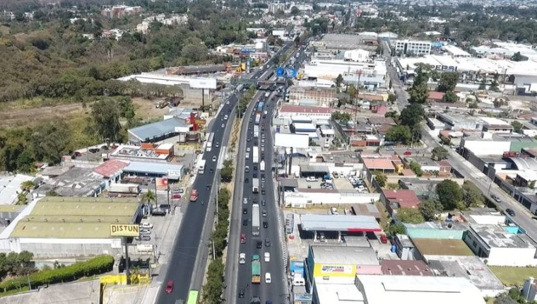 Calzada Aguilar Batres donde funcionará el carril a la inversa. (Foto Prensa Libre: Cortesía Amílcar Montejo).