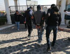 Los detenidos fueron trasladados para su audiencia al Centro Regional de Justicia, zona 6 de Xela. (Foto Prensa Libre: María Longo)