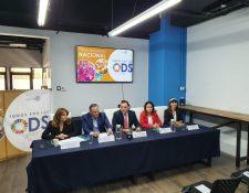 Empresarios, directivos y organizadores del Encuentro Todos por los ODS 2020. (Foto Prensa Libre: La Red)