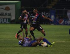 Xelajú MC  falla en su casa al empatar 0-0 contra Iztapa en el Mario Camposeco. (Foto Prensa Libre: Raúl Juárez)