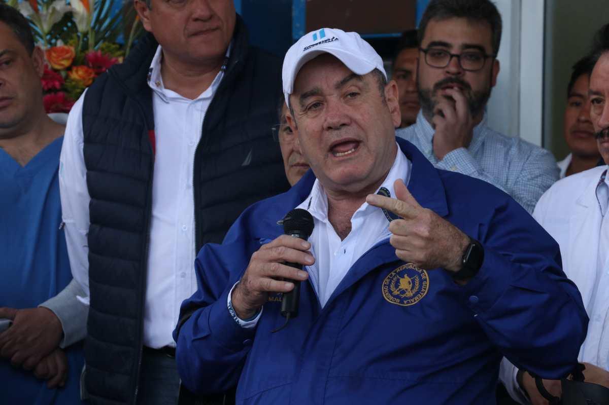 Giammattei ofrece que en 180 días habilitará la Unidad de Hemodiálisis en el hospital de Quetzaltenango