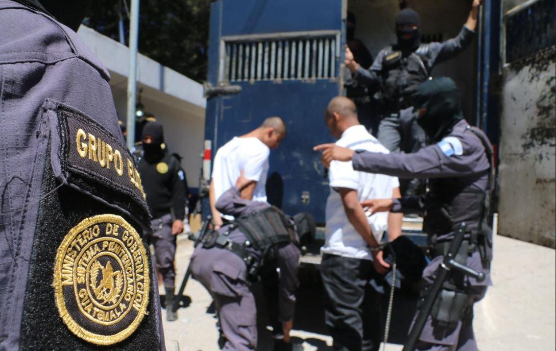 El Gobierno traslada a 236 reclusos de la cárcel Fraijanes 2 para retomar control