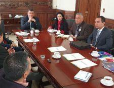 El vicepresidente Guillermo Castillo se reunió con la organización Desarrollo en Movimiento para coordinar acciones en contra de la desnutrición. (Foto Prensa Libre: Twitter)