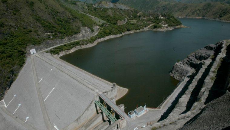 Dentro de las generadoras contratadas por la EEGSA están la hidroeléctrica Chixoy, Tecnoguat, una planta nueva de biogás,  ingenios azucareros y otras generadoras. (Foto, Prensa Libre: Hemeroteca PL).