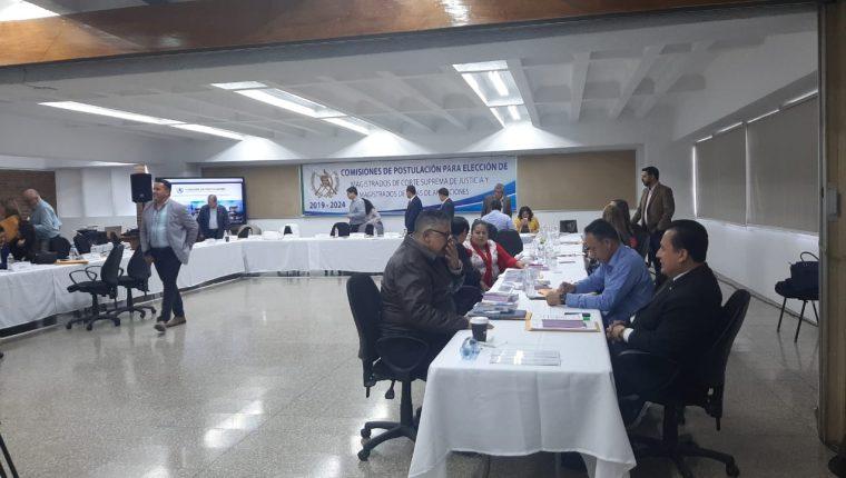 Comisiones de postulación para los magistrados de las Cortes de Apelaciones sesionaron el sábado. (Foto, Prensa Libre: Andrea Domínguez).